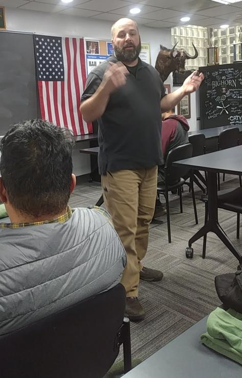 brett-teaching-class.jpg